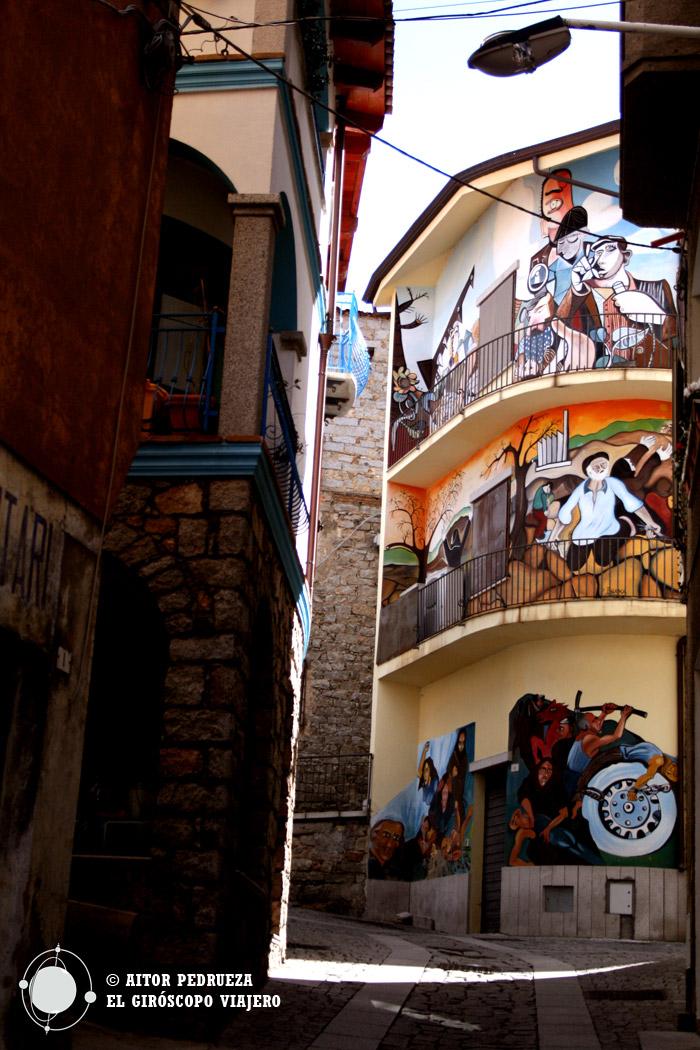 Murales en las casas de Orgosolo
