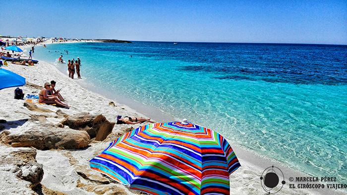 Maravillosas tonalidades marinas en la playa de Is Arutas
