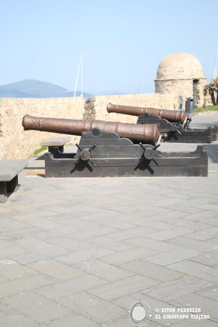 Bastiones de Alghero con los cañones