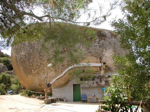 Casa peculiar en el monte Ortobene