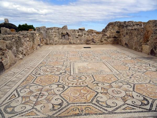 Pula y Parque Arqueológico de Nora