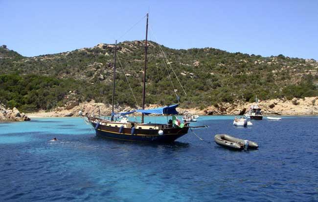 Excursión en velero  Costa Esmeralda y Maddalena