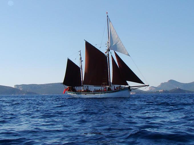 Excursión en velero desde Alghero