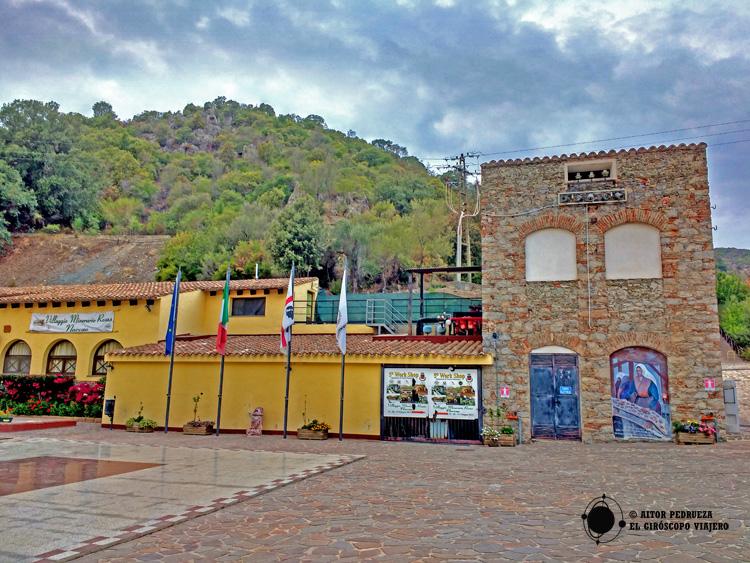 Complejo industrial de las minas de Rosas a las afueras de Narcao