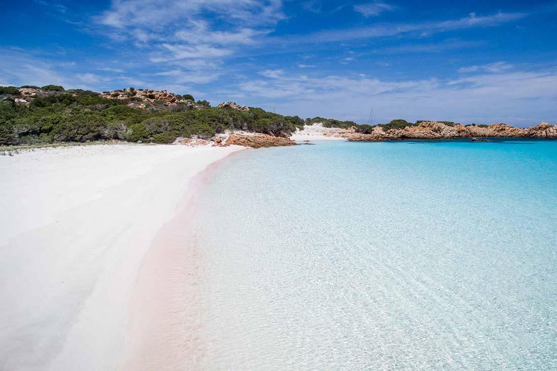 Spiaggia Rossa, la playa rosa de la isla de Budelli en la Maddalena
